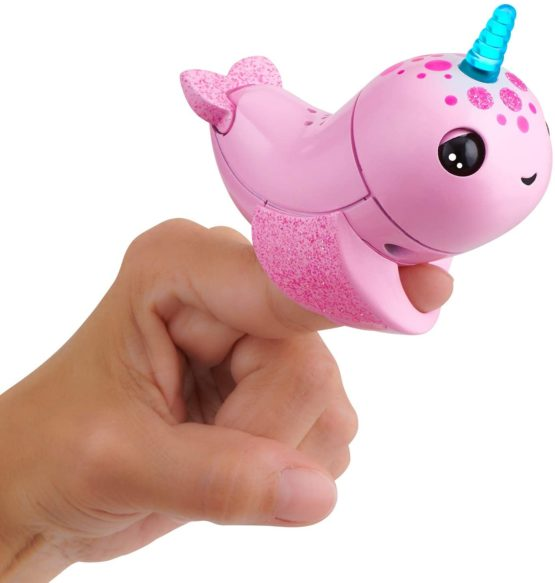Fingerlings Light Up Narwhal – Rachel