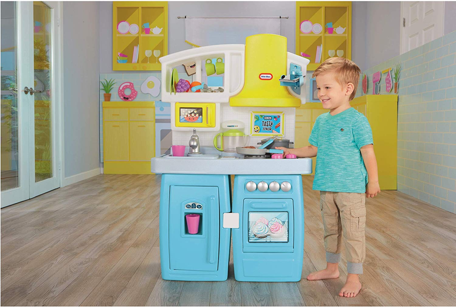 Little Tikes Tasty Jr. Bake 'n Share Role Play Kitchen