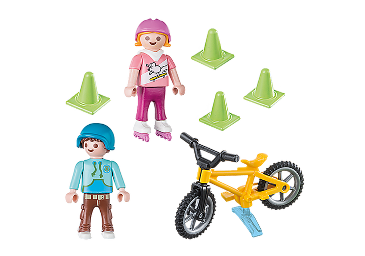 Children_with_Skates_and_Bike_1__01399.1579353672