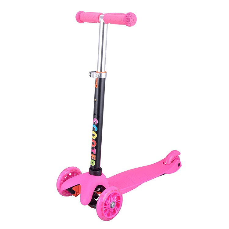 Scooter 2 Front Wheels and 1 Back Wheel | Pink